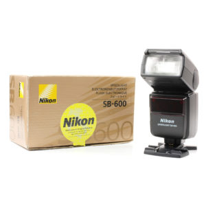 nikon-sb-600-flash-speedligh